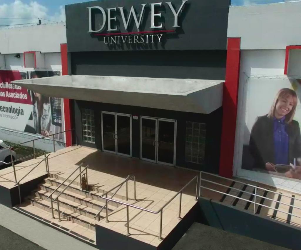Dewey University, Centro de Carolina
