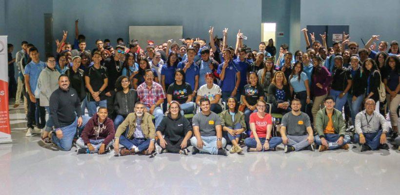 Inspiramos a la comunidad a través del aprendizaje de destrezas STEM (Ciencias, Tecnología, Ingeniería y Matemáticas)